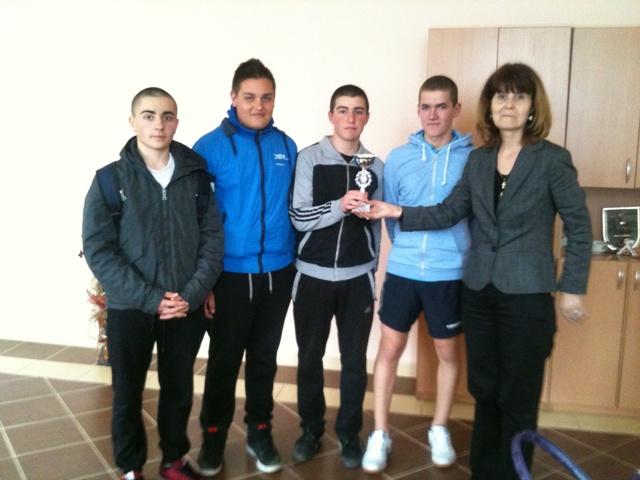 ПГИ Първо място на Областно първенство по тенис на маса - момчета